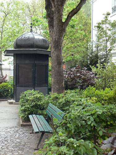 jardin des abbesses.jpg