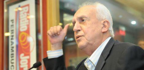 Jarbas disse ter certeza da queda de Dilma / Foto: Bernardo Soares/Acervo JC Imagem