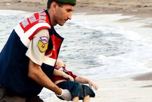 Image of Syrian Boy Washed Up on Beach Hits Hard - WSJ