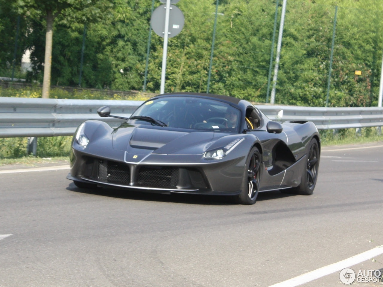Ferrari LaFerrari Aperta - 11 July 2016 - Autogespot