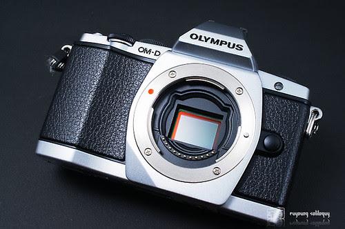 Olympus_EM5_exterior_07