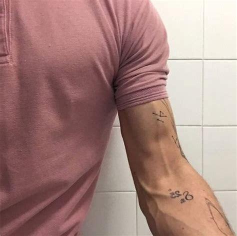 savagve mohster arms veins geometric