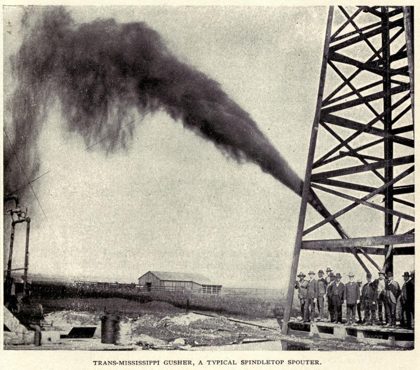 A spindletop spouter gushes oil in 1902. (Image: Wikimedia Commons)