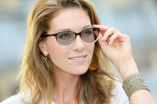 Transitions® Lenses - Protection Indoors & Outdoors | Eye-Mart