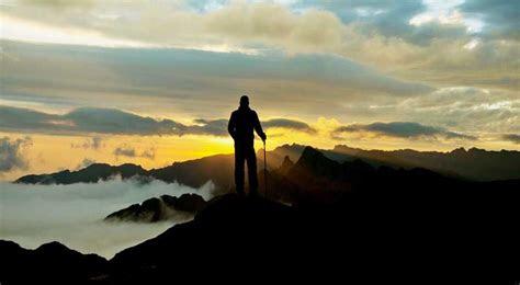kumpulan kata kata mutiara pendaki gunung romantis penuh