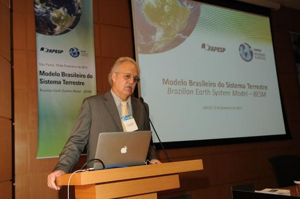 Carlos Nobre, secretário de Políticas e Programas de Pesquisa e Desenvolvimento do MCTI (Foto: Eduardo Cesar/Fapesp)