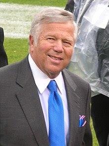 http://upload.wikimedia.org/wikipedia/commons/thumb/8/8e/Robert_Kraft_at_Patriots_at_Raiders_12-14-08.JPG/220px-Robert_Kraft_at_Patriots_at_Raiders_12-14-08.JPG