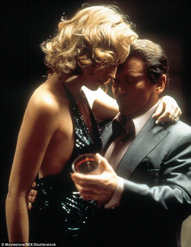 Sua carreira tem sido sempre em um rolo: A ex-rainha da beleza deixando sua marca no Casino 1995 hit;  Aqui ela é retratado com Joe Pesci
