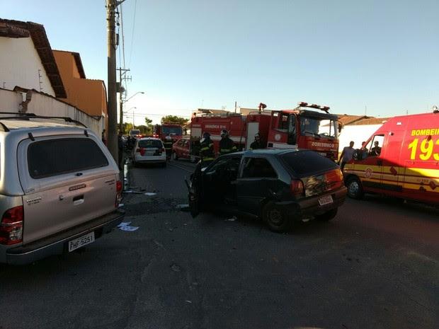 Acidente Vila Paraíba Aparecida (Foto: Divulgação/Bombeiros)