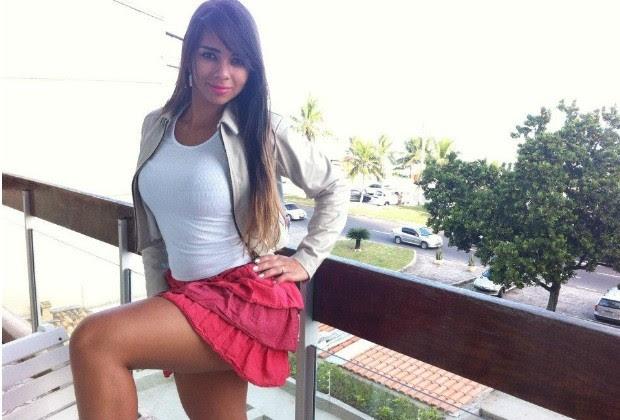 Modelo morre após fazer cirurgia para colocar silicone nos seios, em Jataí, Goiás (Foto: Reprodução/ Facebook)