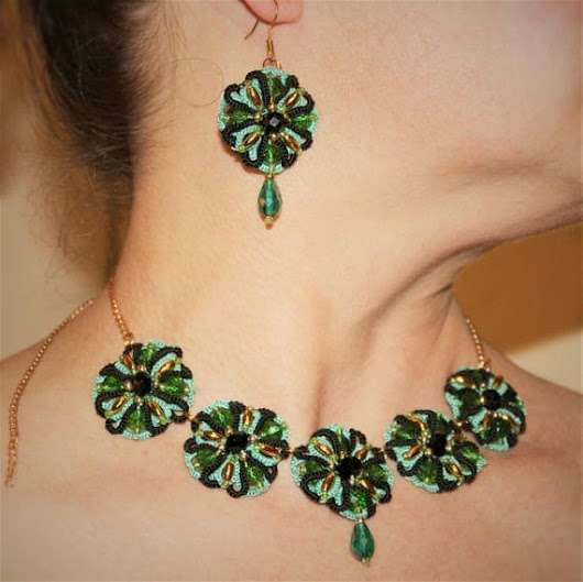 Emerald Green Wedding Jewelry set Gold Necklace Emerald