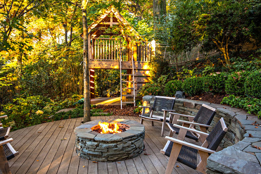 50 Dreamy Little Decks From Around the World