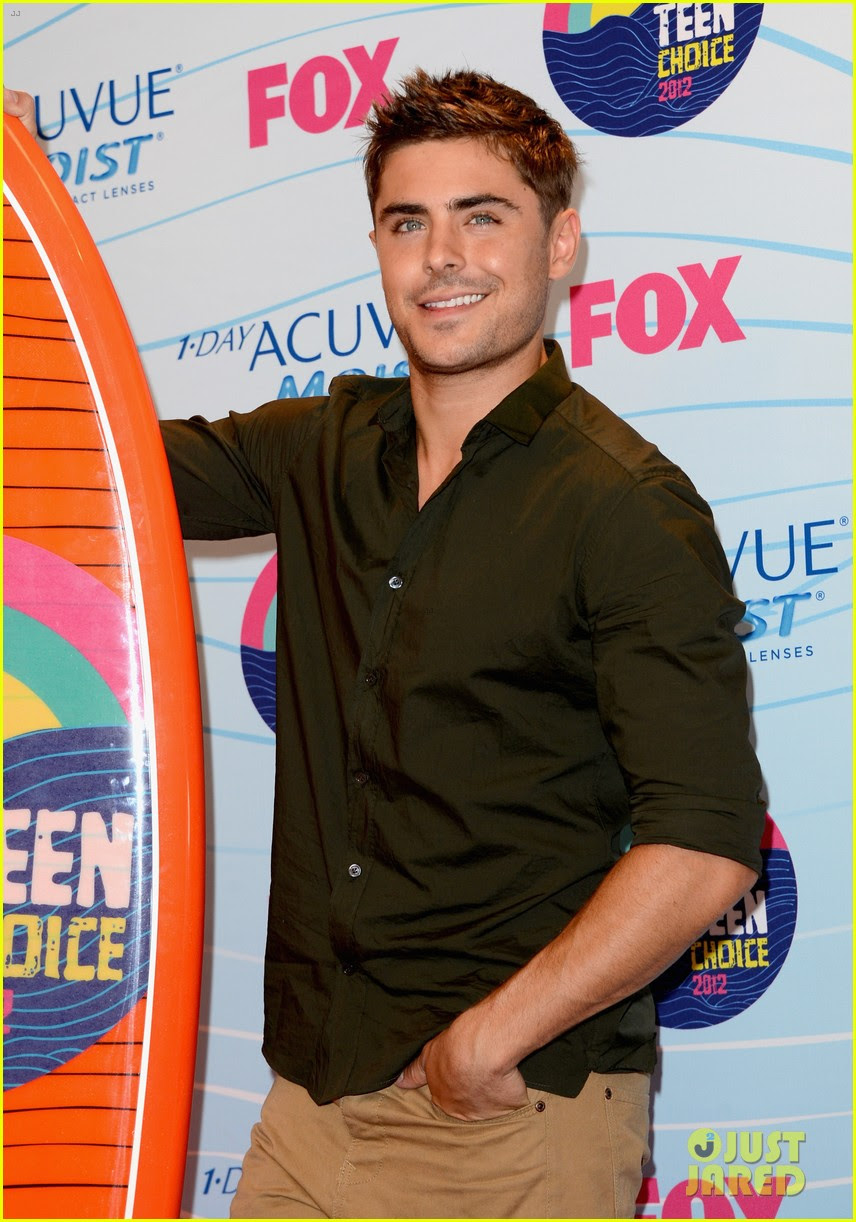 Zac Efron Teen Choice Awards 2012 Winner Photo 2690701 2012