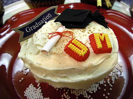 Grad-U-Ate-Tion Cupcakes!