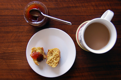 lemon-ginger muffin, with jam