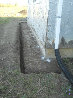 Dug Out West Footer with Remesh