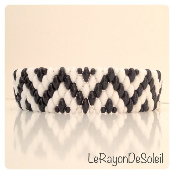 Bracelet. Black & white SuperDuo beads. Chevron by LeRayonDeSoleil, €29.00