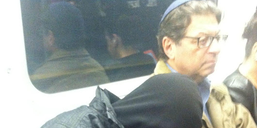 Man On Subway Reacts In Incredible Way To Stranger Sleeping On His Shoulder