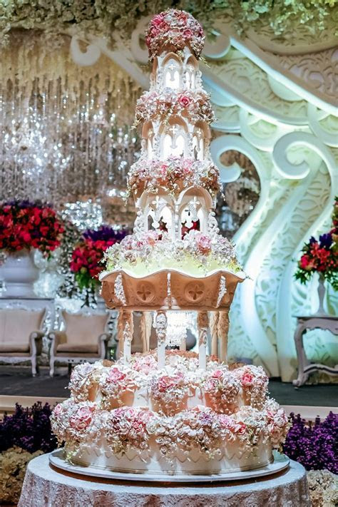 World's most extravagant wedding cakes for budget busting