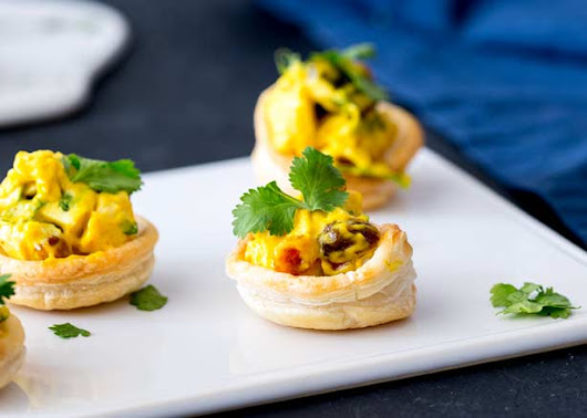 Curried Chicken Pastry Cups | Sprinkles and Sprouts