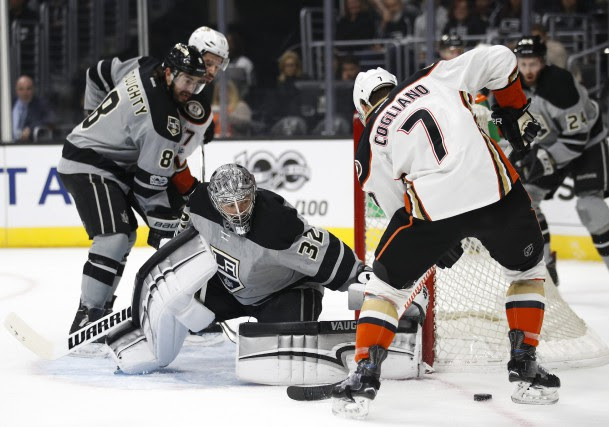 Le gardien des Kings Jonathan Quick était de... (Photo Jae C. Hong, AP)