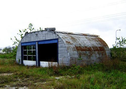 Quonset 2, north of Dickinson Bayou at Hwy 146, Texas 0404091454