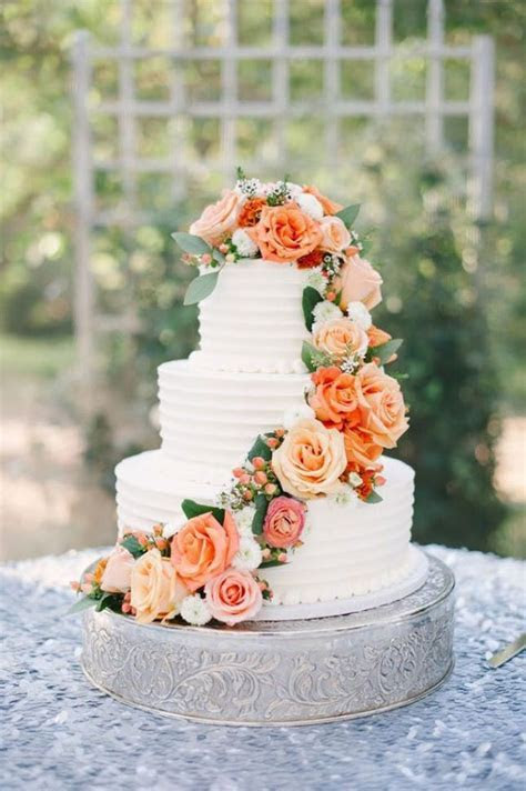23 Wedding Cakes Decorated With Flowers   Brit   Co