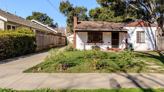 Palo Alto teardown sells for $623K over asking