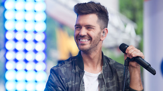 Andy Grammer joins TODAY to 'Give Love' and kick off the weekend