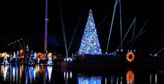 SeaWorld Orlando celebrates Christmas 2017 by transforming into a Winter Wonderland | Inside the Magic