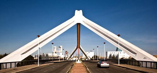 Barqueta Bridge, Seville, Spain, by jmhdezhdez