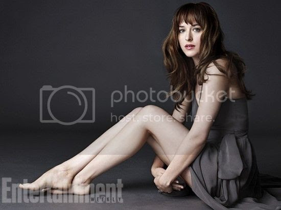 photo Fifty-Shades-of-Grey-Dakota-Johnson-as-Anastasia-Steele-550x412.jpeg