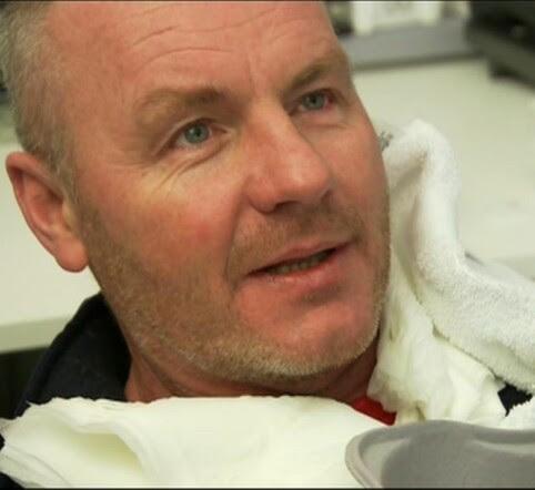 BEHANDLET: Brannsjef i Sogn, Johnny Skjerping, ble behandlet på Lærdal sjukehus søndag. Foto: TV 2