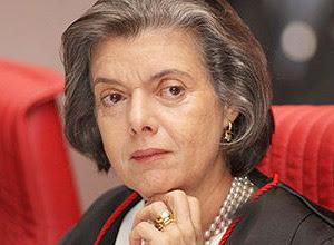 Ministra Cármen Lúcia Antunes Rocha tomou posse hoje no TSE