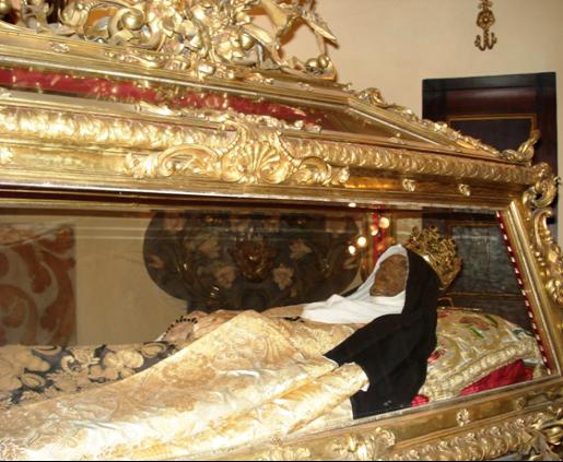 Resultado de imagen para Cuerpo incorrupto de María Magdalena pazzi