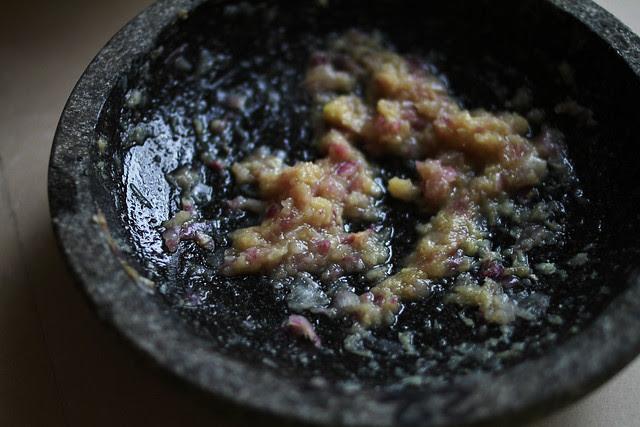 Garlic, Shallot, Ginger, Mortar & Pestle