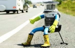 HitchBot : le robot a terminé son périple au Canada en auto-stop.