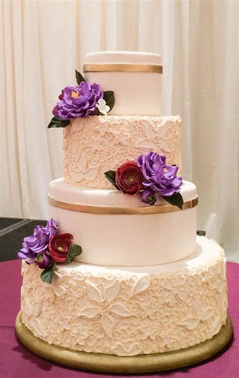 1000  ideas about Scroll Wedding Cake on Pinterest