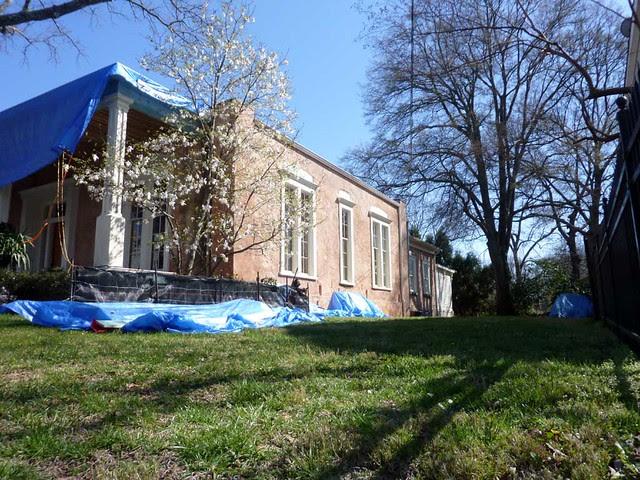 P1080498-2011-03-12-Phoenix-Flies-Grant-Mansion-East-Facade