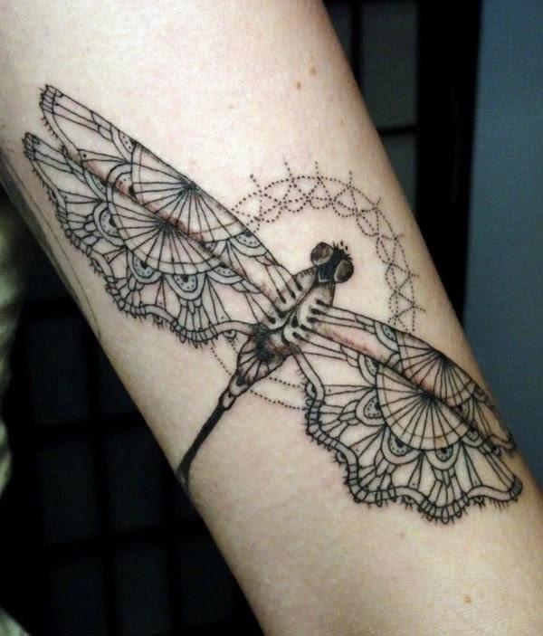 75 desenhos de tatuagem de libélula bonito e sexy 22 por Bryan