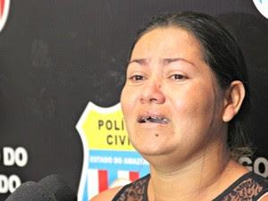 Madrasta de Grazielly se emocinou durante depoimento  (Foto: Sérgio Rodrigues/G1 AM)