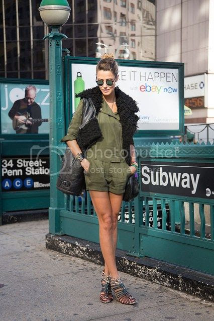 photo Martha-Graeff-new-york-fashion-week-street-chic-vogue-7sept13-dvora_426x639_zpsf156d00c.jpg