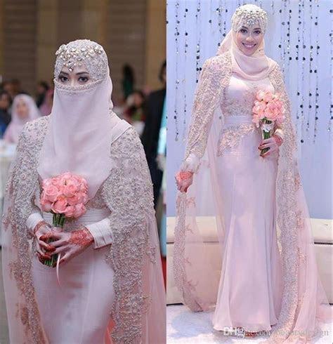 Gorgeous Arabic Muslim Wedding Dresses 2018 High Neck Lace
