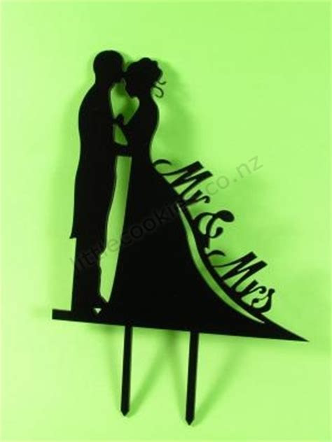 Bride & Groom Silhouette Wedding Cake Topper   LittleCookies
