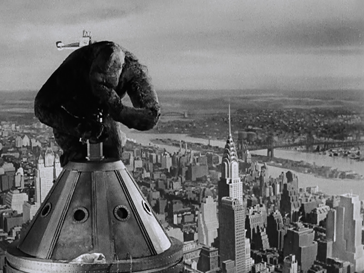 Kong becomes aware of his mortality in a beautiful gesture animated by Willis O'Brien.
