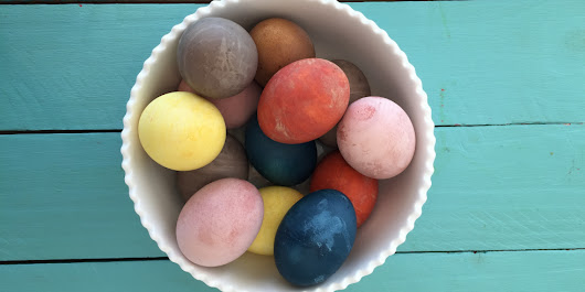 DIY All-Natural Easter Egg Dyes