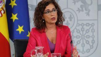 María Jesús Montero creu que qualsevol govern que doni prioritat als serveis socials hauria de donar suport als pressupostos que presenta Sánchez (EFE)