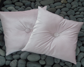 Popular items for pink velvet pillows on Etsy