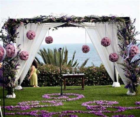 Wedding Decor with floral decoration ? Cool wedding