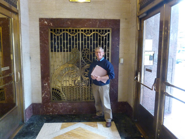 P1130762-2012-11-14-William-Oliver-Building-vestibule-to-lobby-TK